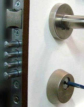 Cerraduras de Seguridad en Estepona Cerrajero